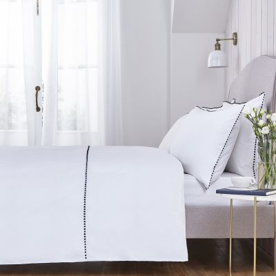 Girona Bed Linen Collection - 200 TC - Cotton - White/Navy