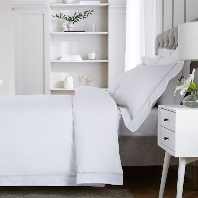 Hampstead Bed Linen Collection - 200 TC - Cotton - White/Grey