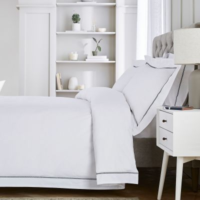 Hampstead Bed Linen Collection - 200 TC - Cotton - White/Navy