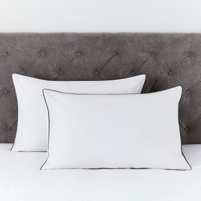 Pair of Albany Pillowcases - 200 TC - Egyptian Cotton - White/Black