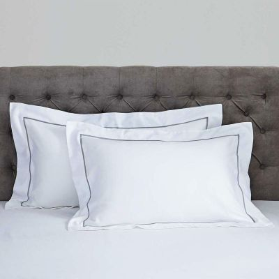 Pair of Mayfair Oxford Pillowcases - 400 TC - Egyptian Cotton - White/Dark Grey