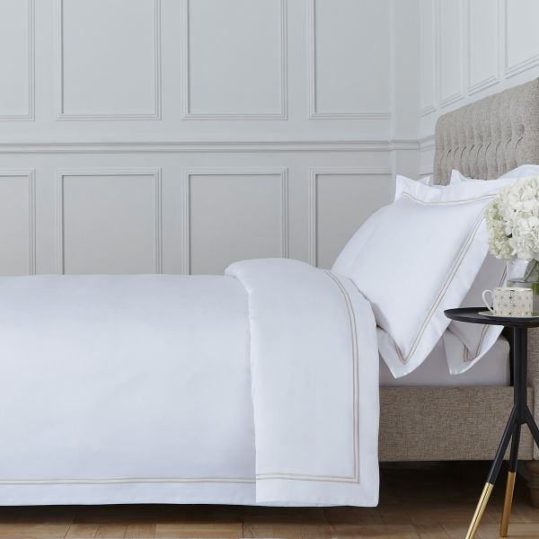 Kensington Bed Linen Collection - 800 TC - Egyptian Cotton - White/Gold