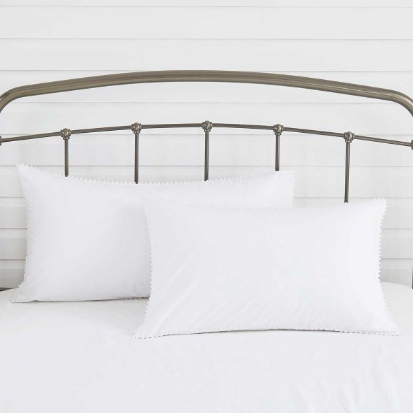 Pair of Girona Classic Pillowcases - Standard - 200 Thread Count - White