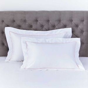 Pair of Mayfair Oxford Pillowcases - 400 Thread Count - Pink