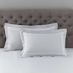 Pair of Venice Oxford Pillowcases - 400 Thread Count - Grey/White