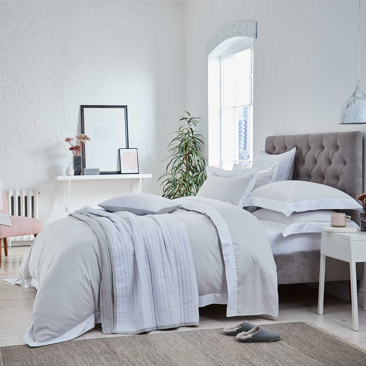 Top 15 Stylish Bedding and Bedroom Design Pinterest Accounts